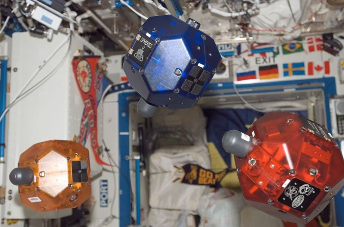 http://www.czechspace.cz/sites/default/files/styles/large/public/13c-three_spheres_on_iss_w.jpg?itok=z7BqWii6