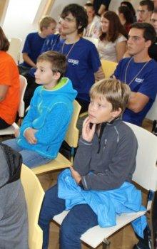 Dva nejmladší účastníci Kosmické akademie 2017 na konferenci Expedice Mars.