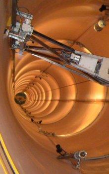 Interiér pádové věže ZARM v Brémách