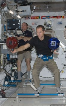 Robotické koule Spheres na palubě ISS.