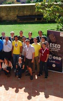 Účastníci prvního kurzu ESEO v září 2013.