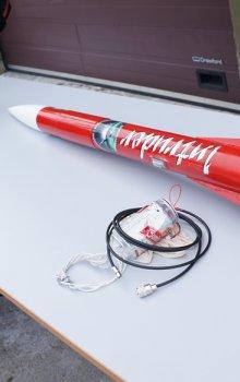 Raketa s plechovkou CANSAT
