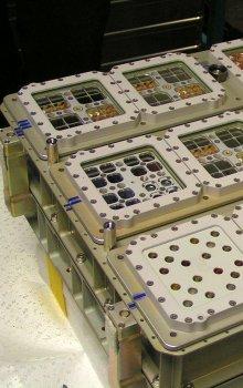 Platforma k vystavení vzorků dlouhodobému působení kosmického prostoru.
