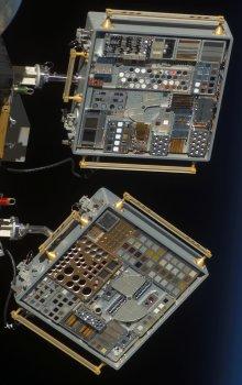 Experiment MISSE-6 k vystavení materiálů účinkům kosmického prostoru.