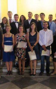 Vítězové studentských soutěží na sympoziu ELGRA 2015.