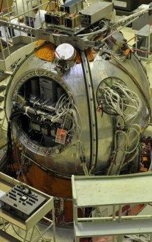 Stavba modernizované vědecké návratové družice Bion-M.