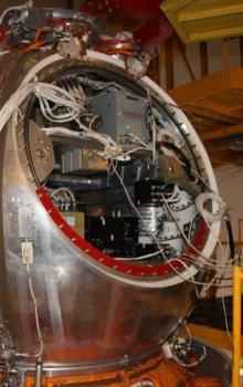 Příprava návratové družice Foton-M4.