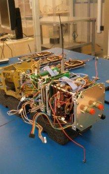 Montáž družice VZLUSat-1.