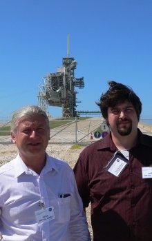 Čeští účastníci kurzu IPM-6 v roce 2011, zleva: Zdeněk Kozáček (CSRC) a Petr Bouchner (Fakulta dopravní ČVUT)