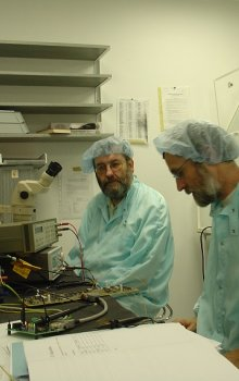 Specialists from the Institute of Atmospheric Physic reviving the flight model of the TPMU.